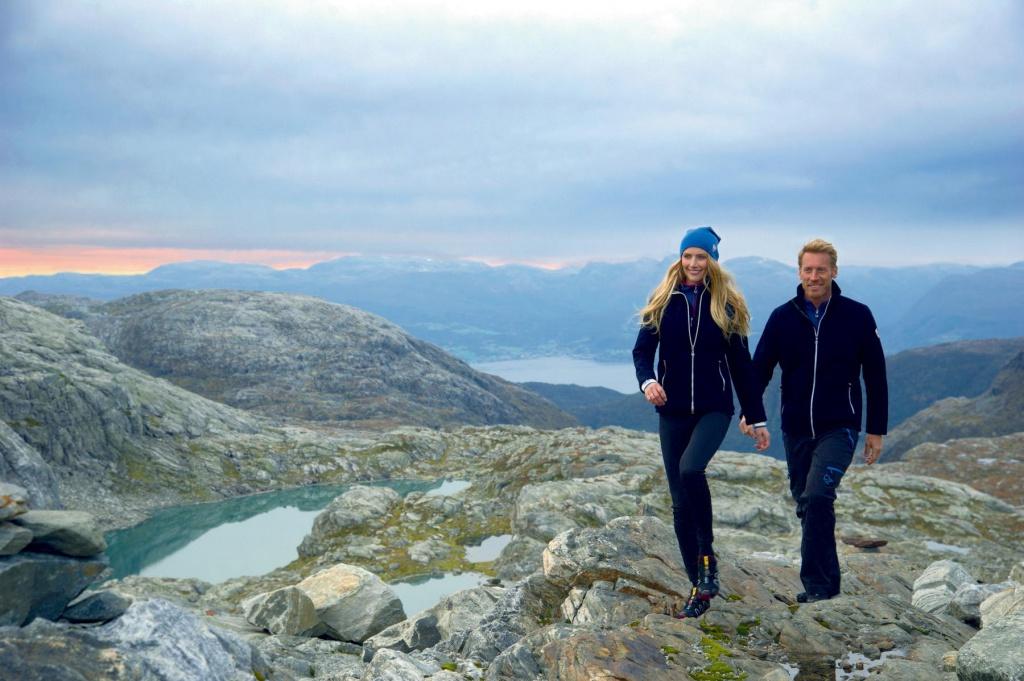 Dámská sportovní vlněná bunda s Knitshellem Dake Hafjell